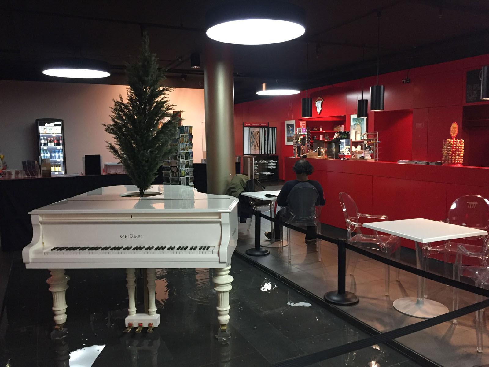 Café im Dalí Museum